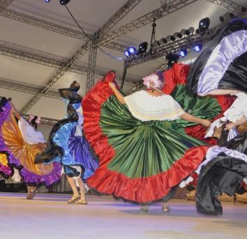 Um festival de culturas, idades e identidades