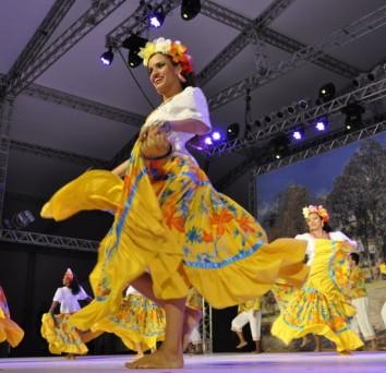 Abertura do Festival Internacional de Folclore – Galeria II